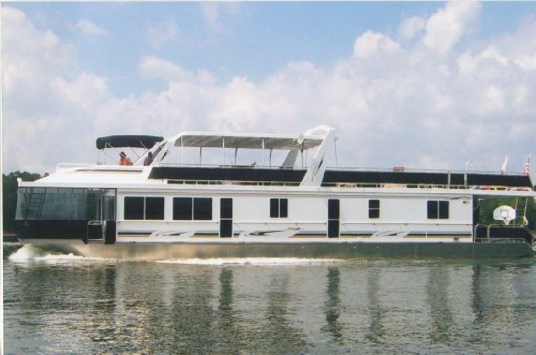 2007 82' Horizon Boats, Inc. 18x82