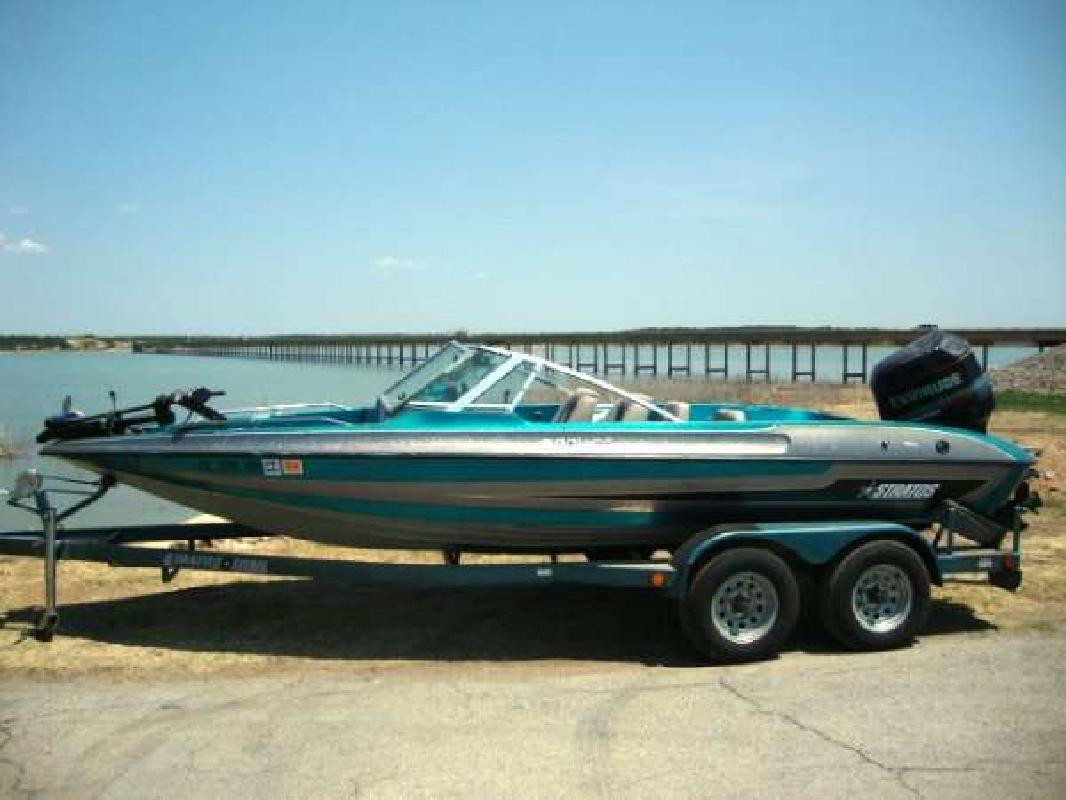 1995 20' Stratos Boats Inc 201FS