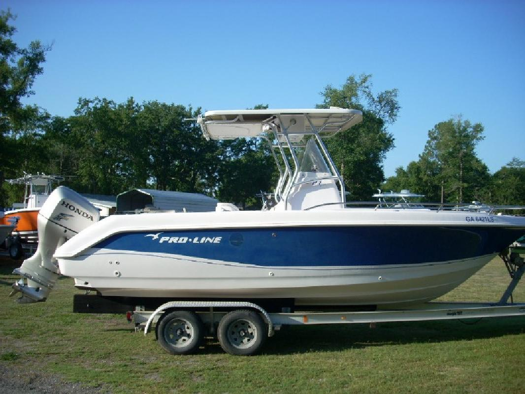 2004 23' Pro-Line Boats, Inc. 23