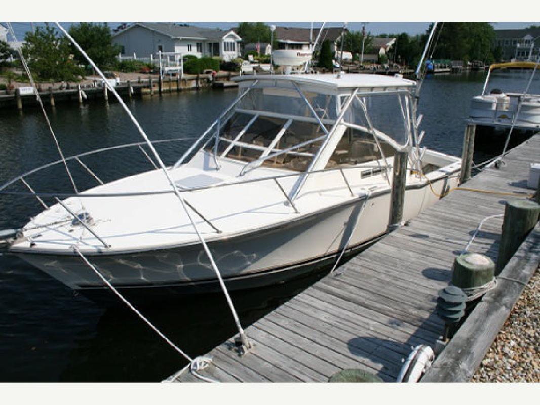 2006 28' Carolina Classic Boats, Inc. Diesel Express