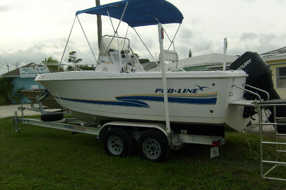 2002 20' Pro-Line Boats, Inc. Sport in Hobe Sound, Florida
