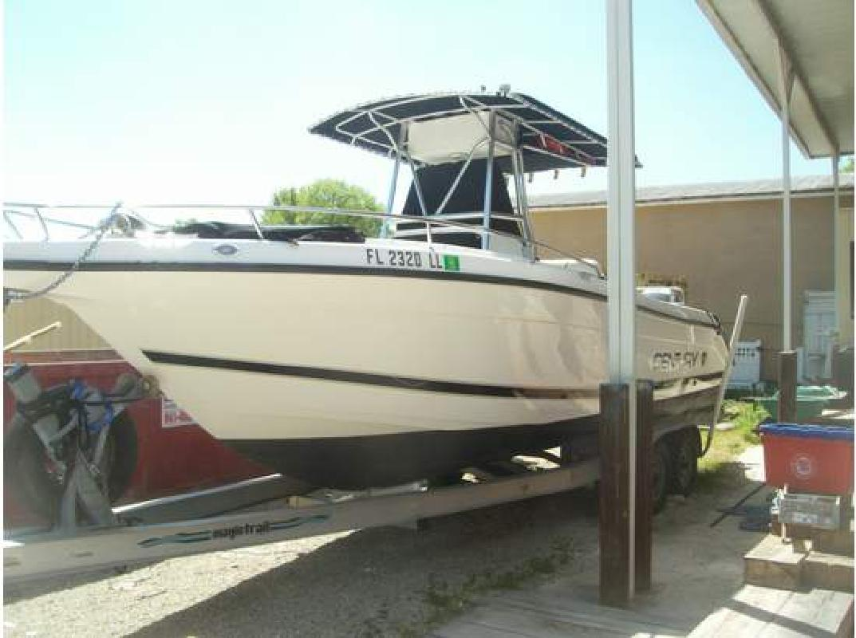 2001 27' Century Boats Model:2600