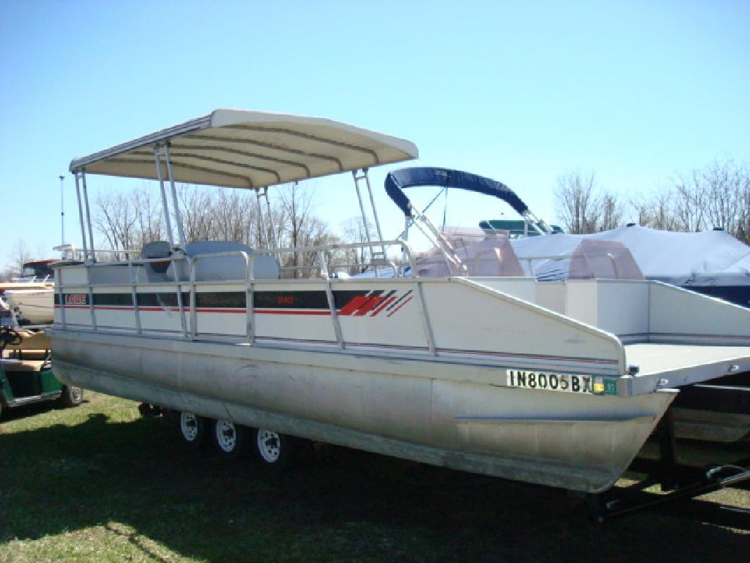 1989 24' Lowe Boats pontoon 24