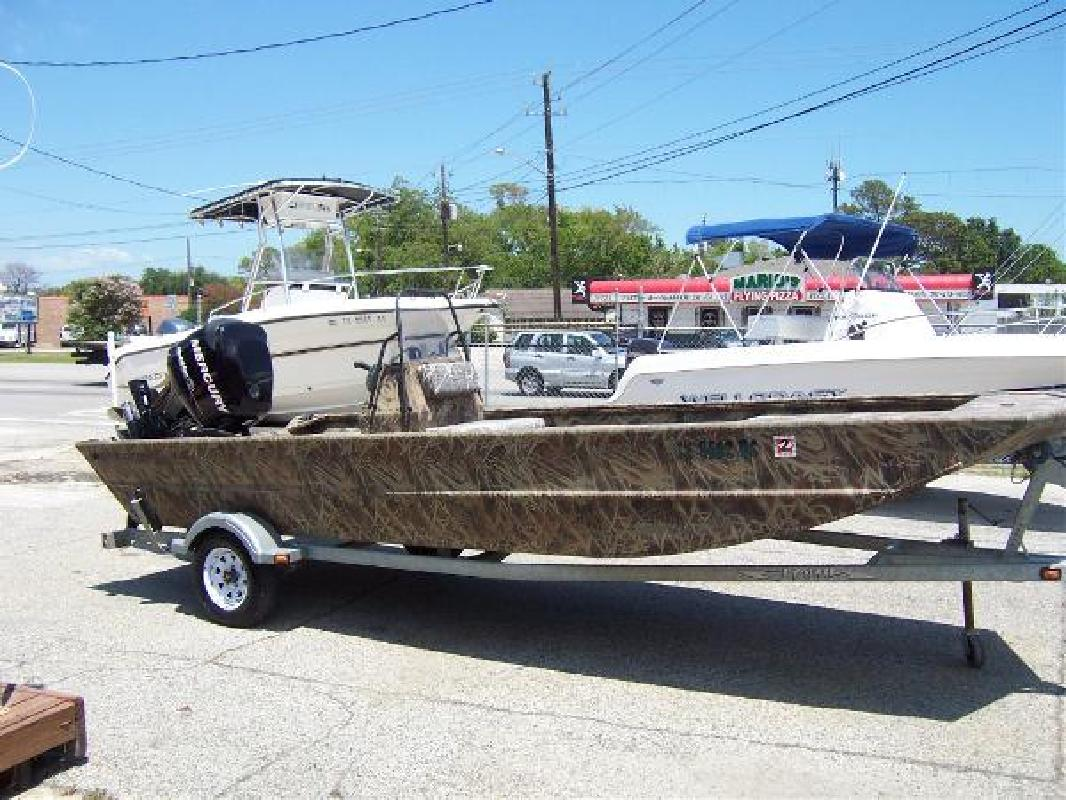 2009 18' Lowe Boats Roughneck 1860cc