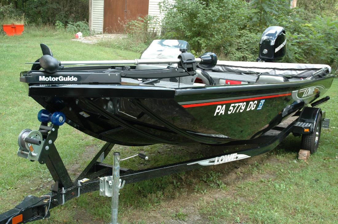 2011 17' Lowe Boats Stinger 170