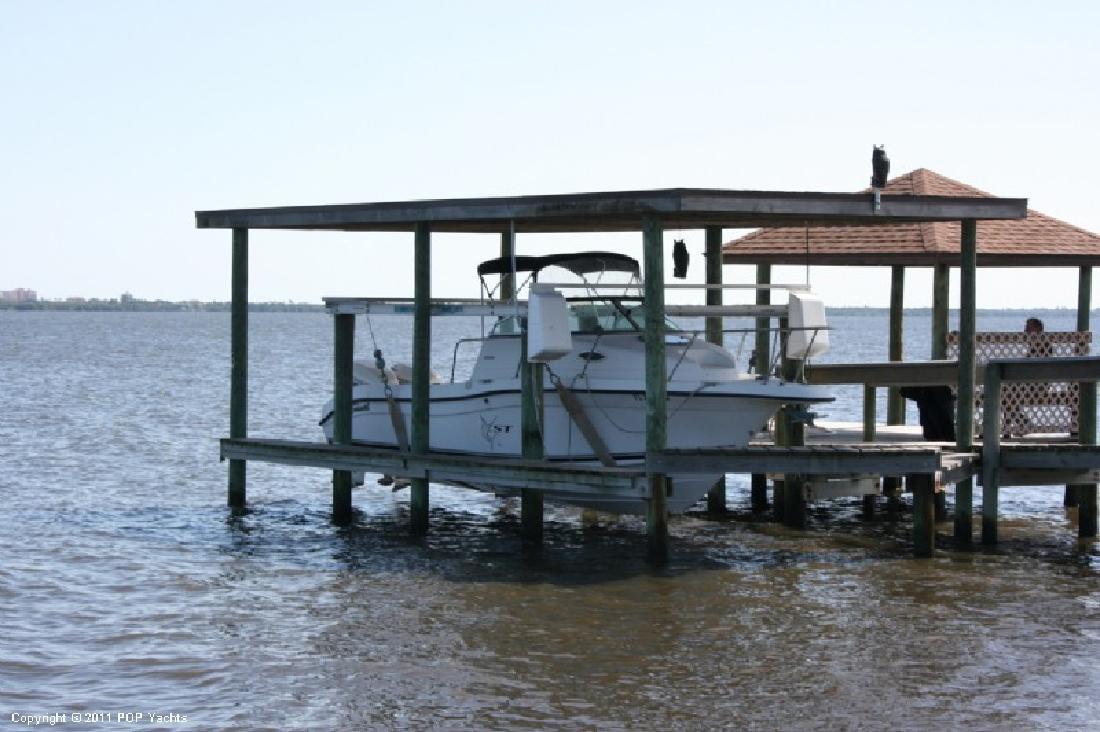 2001 23' Sea Swirl Boats Striper 2300