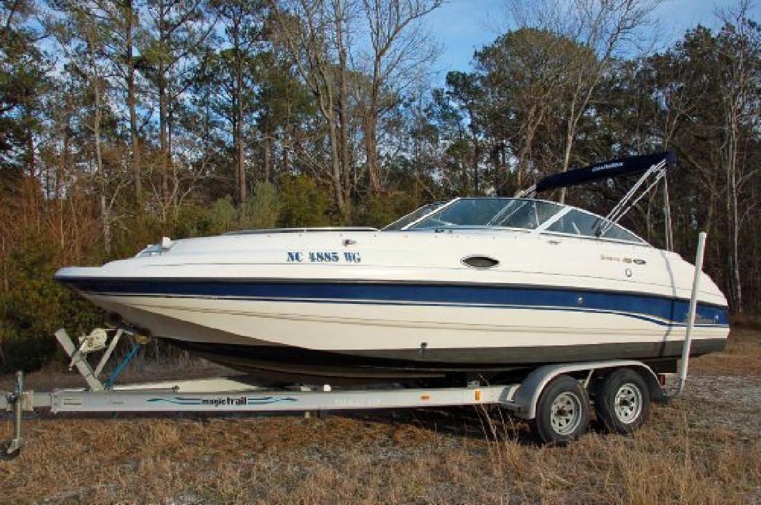 1999 22' Chaparral Boats Sunesta 223