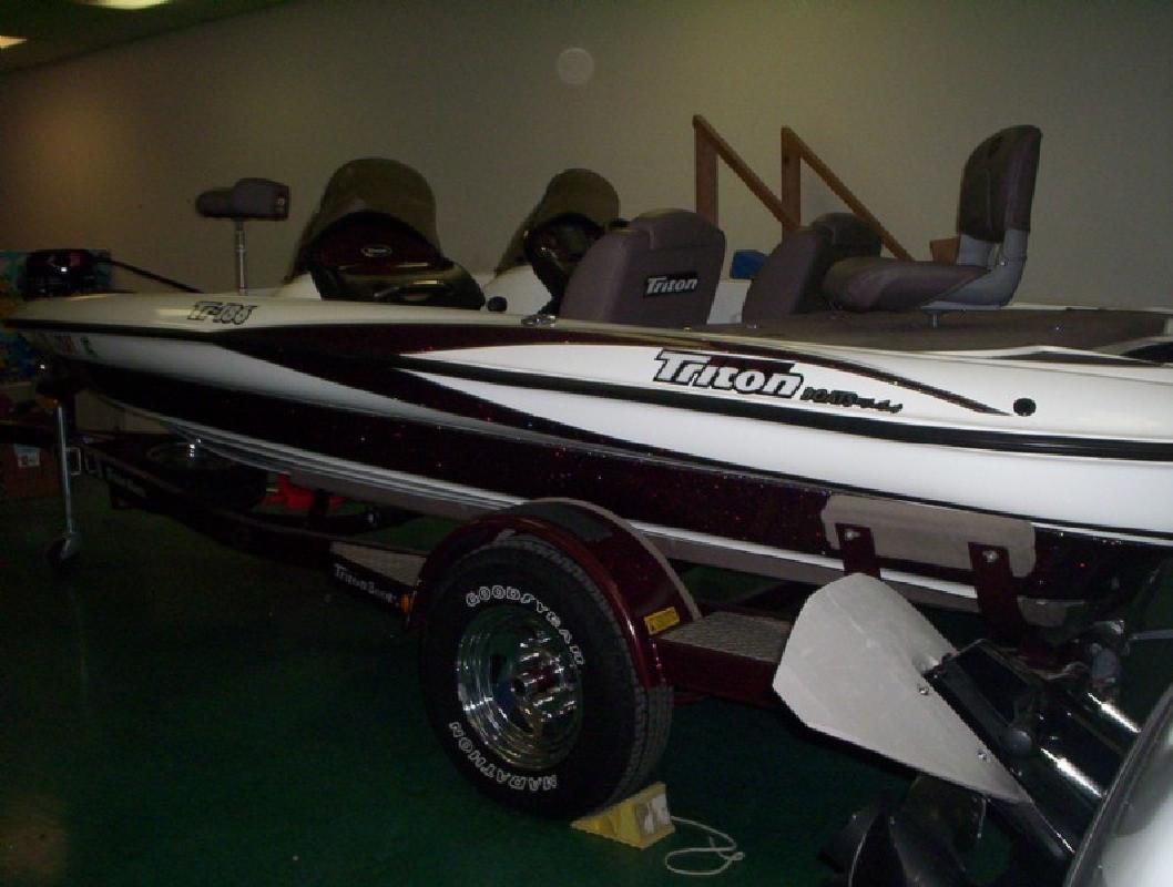 2005 19' Triton Boats Tr186