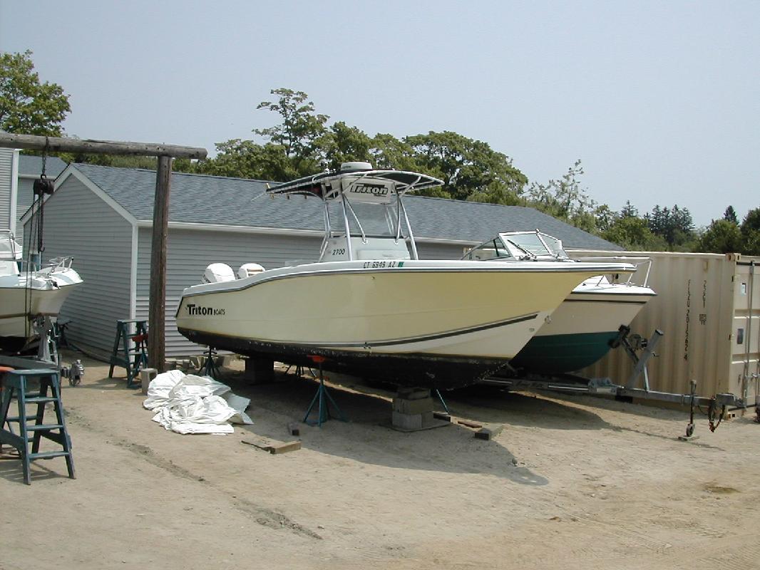 2002 27' Triton Boats TR2700CC