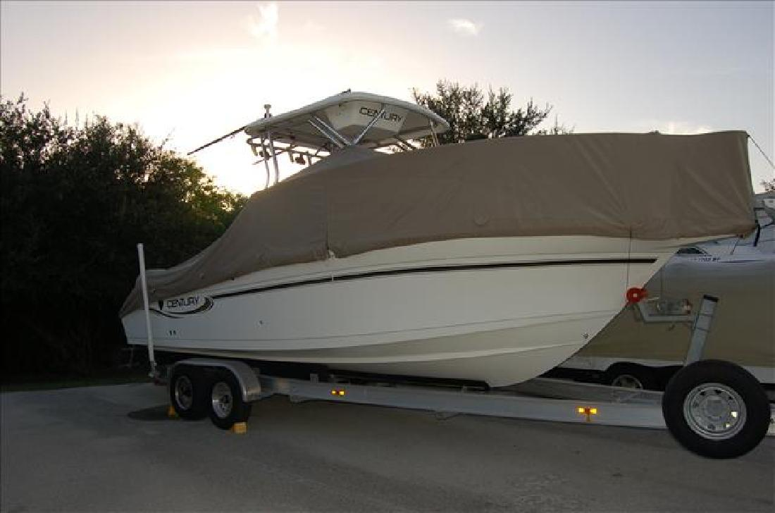 2004 26' Century Boats Walk-Arounds 2600WA in Fort Myers, Florida