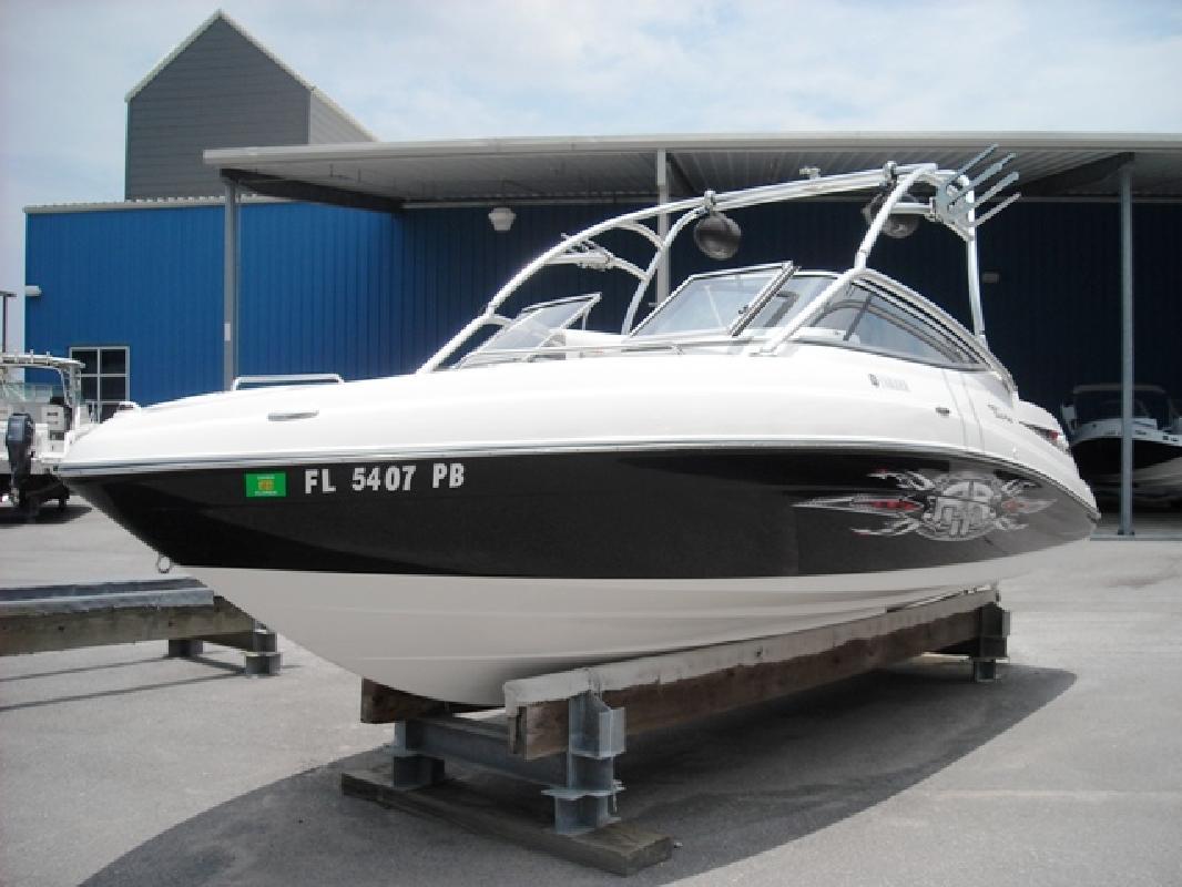 2008 23 Yamaha Sport Boats AR230