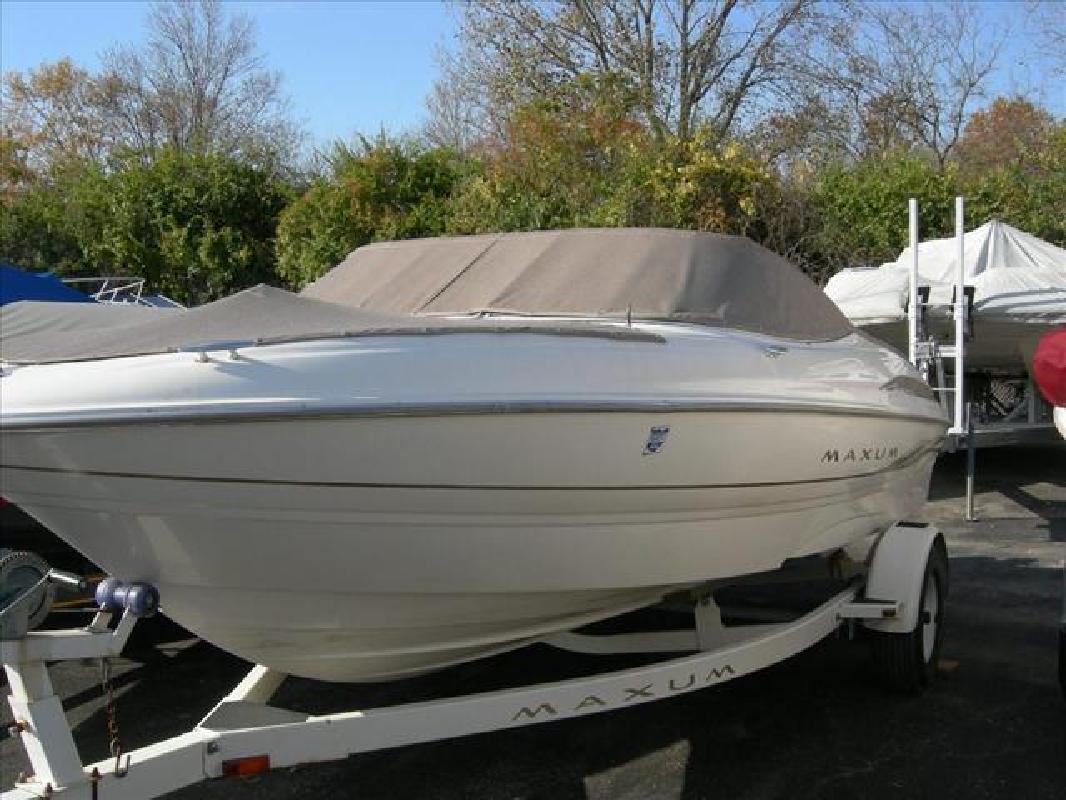 2000 18' Maxum-U.S. Marine Bowrider 1800 SR in Cincinnati, Ohio
