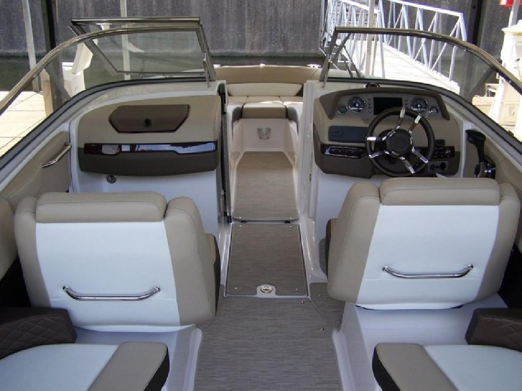 2014 - Regal Boats - 2700 Bowrider in Lake Ozark, MO