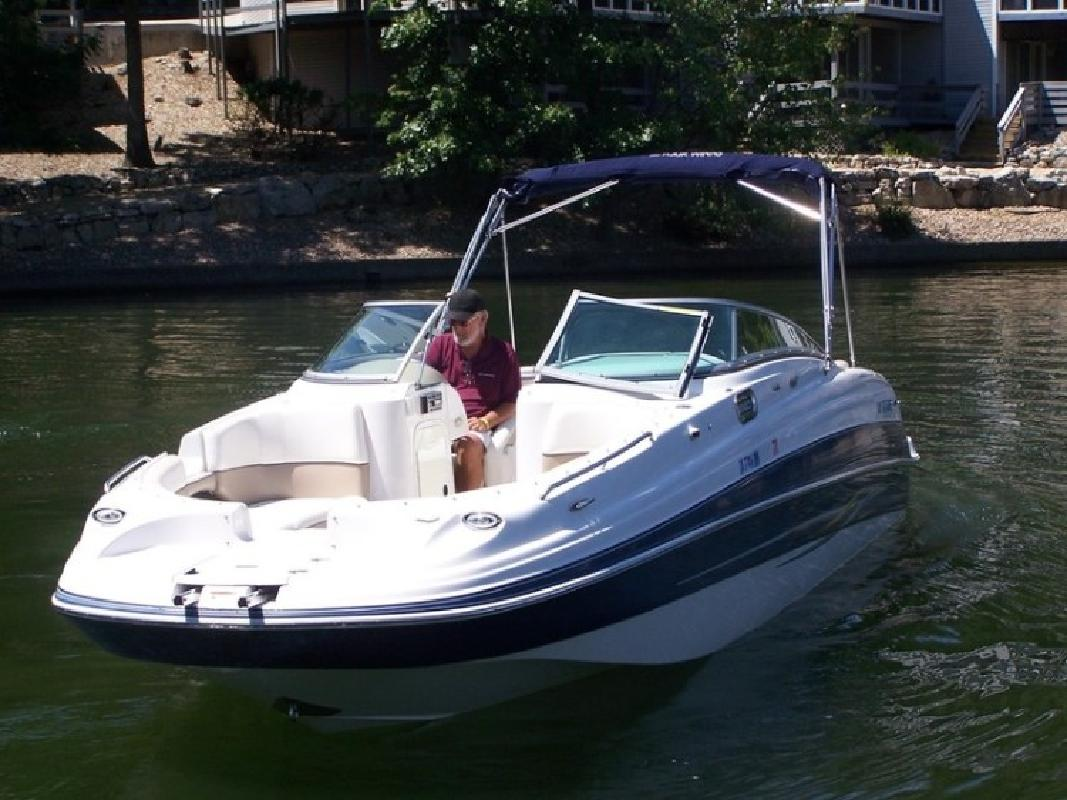 2006 Four Winns 274 Funship Bowrider in Lake Ozark, MO
