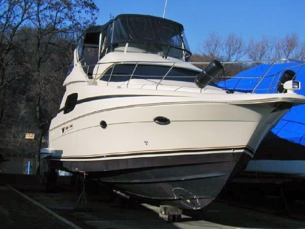 2001 - Silverton Yachts - 410 Sport Bridge in St. Clair Shores, MI