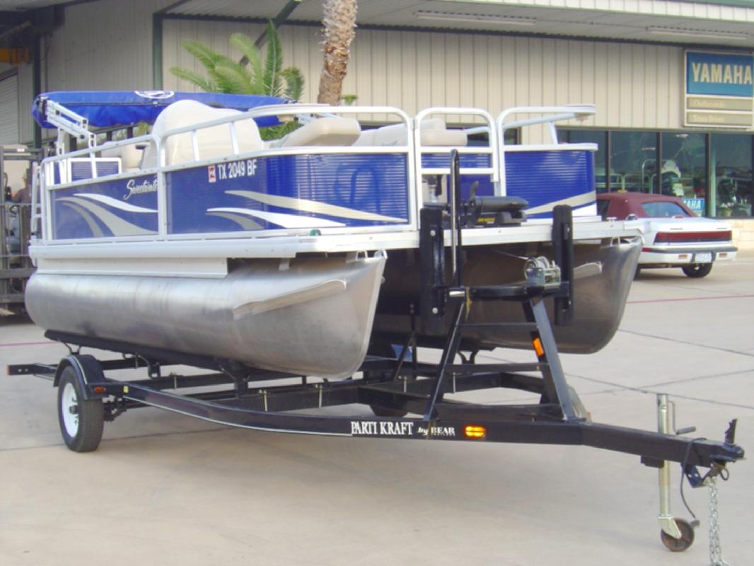 2011 17' Sweetwater manufactured by Godfrey Marine 1770F