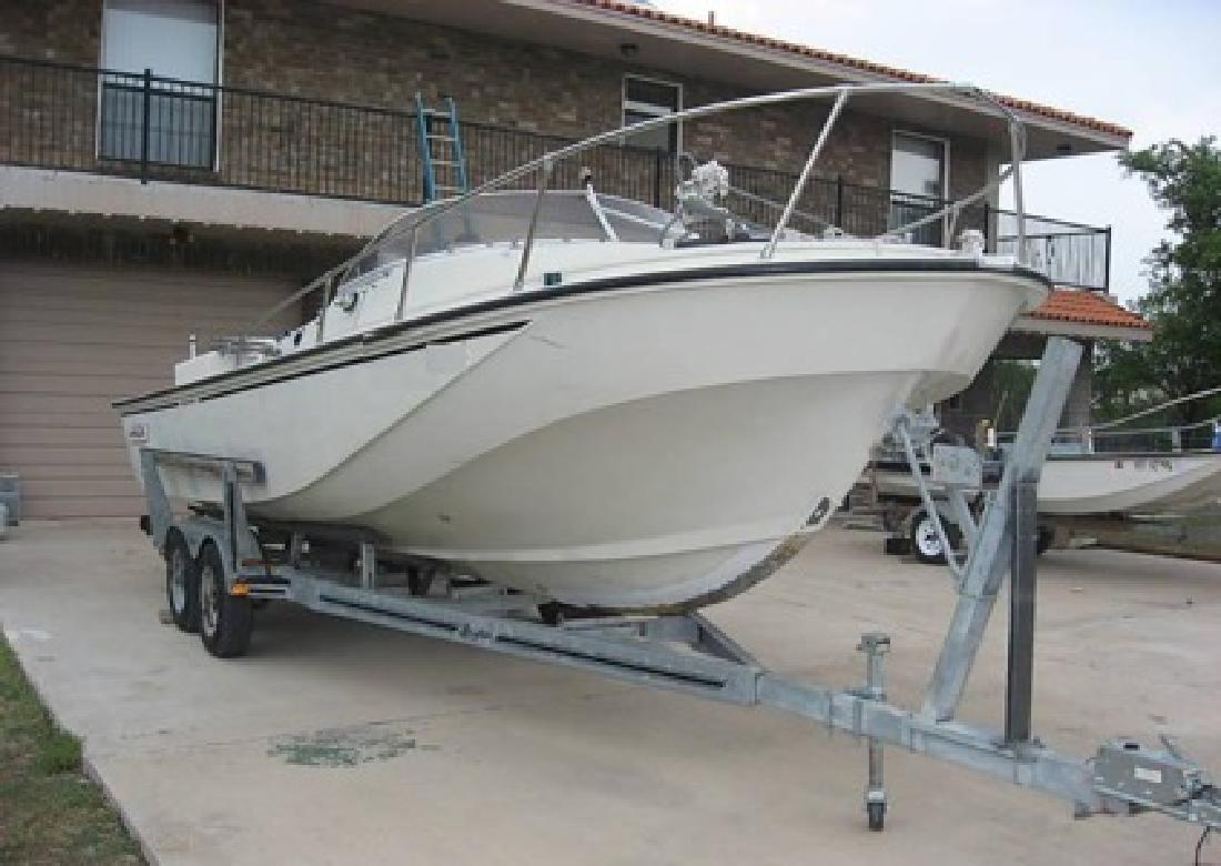$2,650 1983 Boston Whaler Revenge Cuddy Cabin 150 HP Johnson