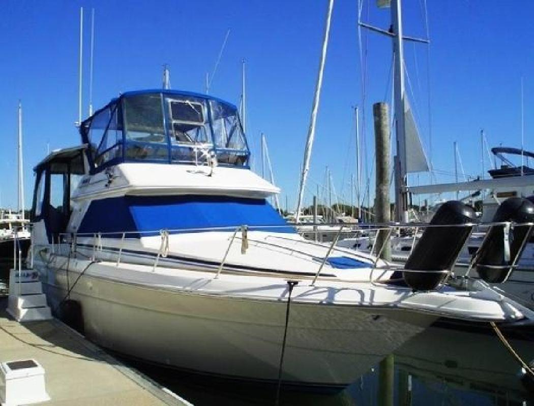 1990 Sea Ray 380 Aft Cabin Motor Yacht Stamford CT