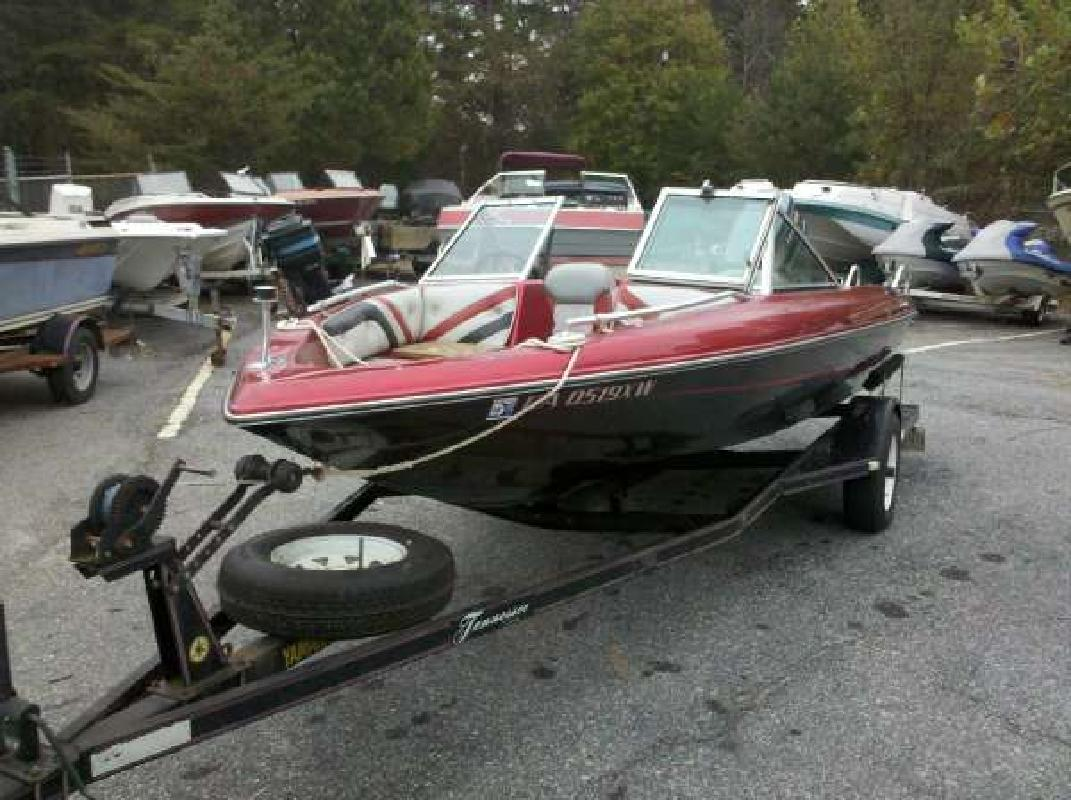 1987 16' Ebbtide Powerboats 166 CAMPIONE SERIES Fish n Ski