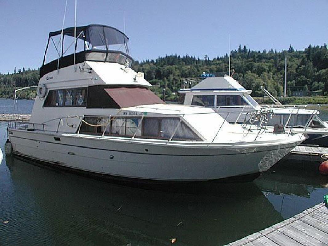 1979 33' Carver Voyager