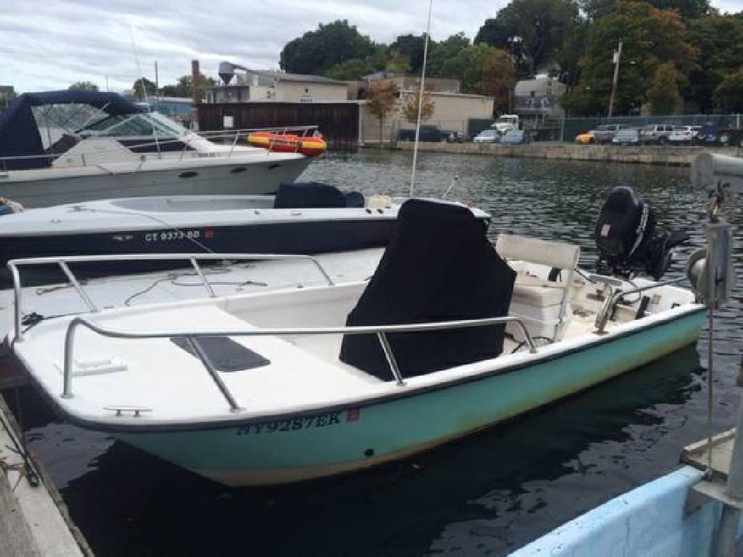 2003 Twin Vee PowerCats 19 Bay Cat Low Hours Greenwich CT