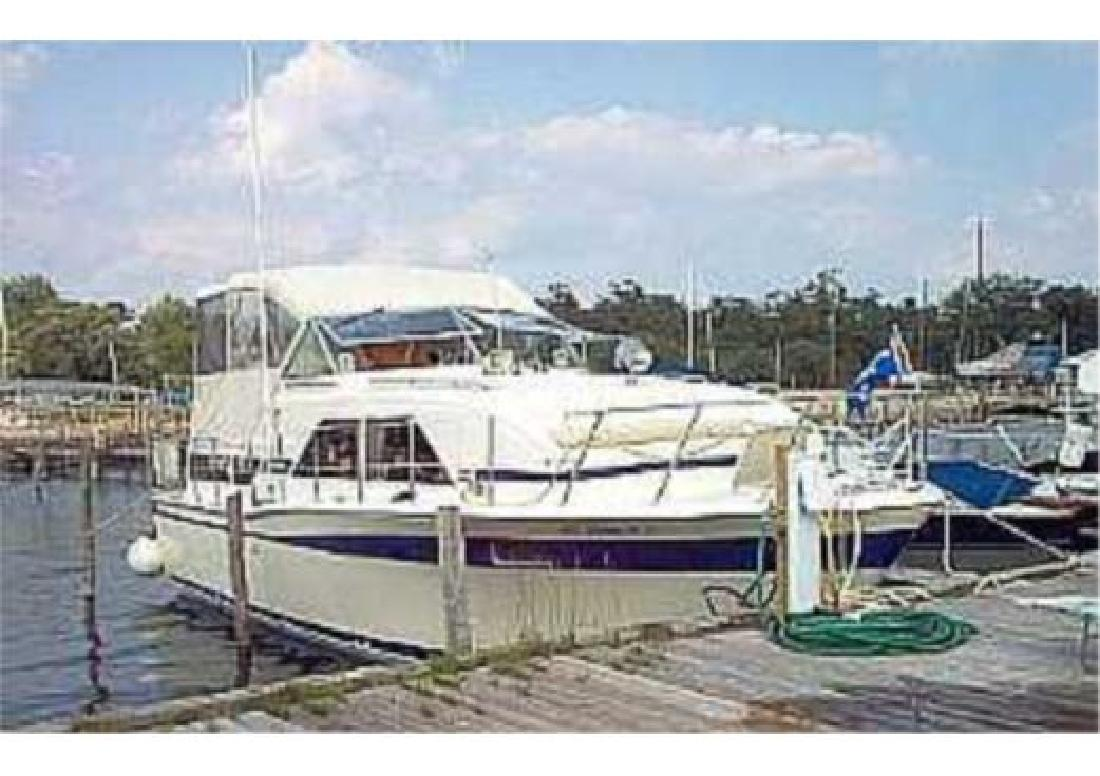 1978 35' Chris-Craft 350 Catalina Double Cabin in Stuart, Florida