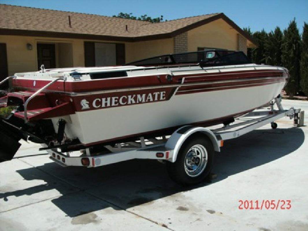 $8,995 1988 22 ft Checkmate Senator 454 cc 330 hp.. OBO Cash Offers