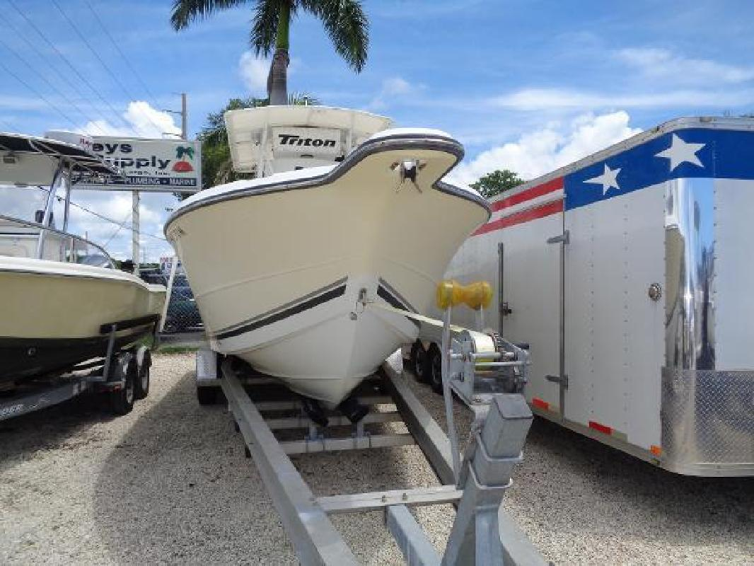2004 - Triton Boats - 2895 CC in Key Largo, FL