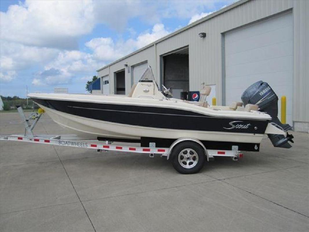 2011 18' Scout Boats Center Console 187 Sportfish in Huron, Ohio