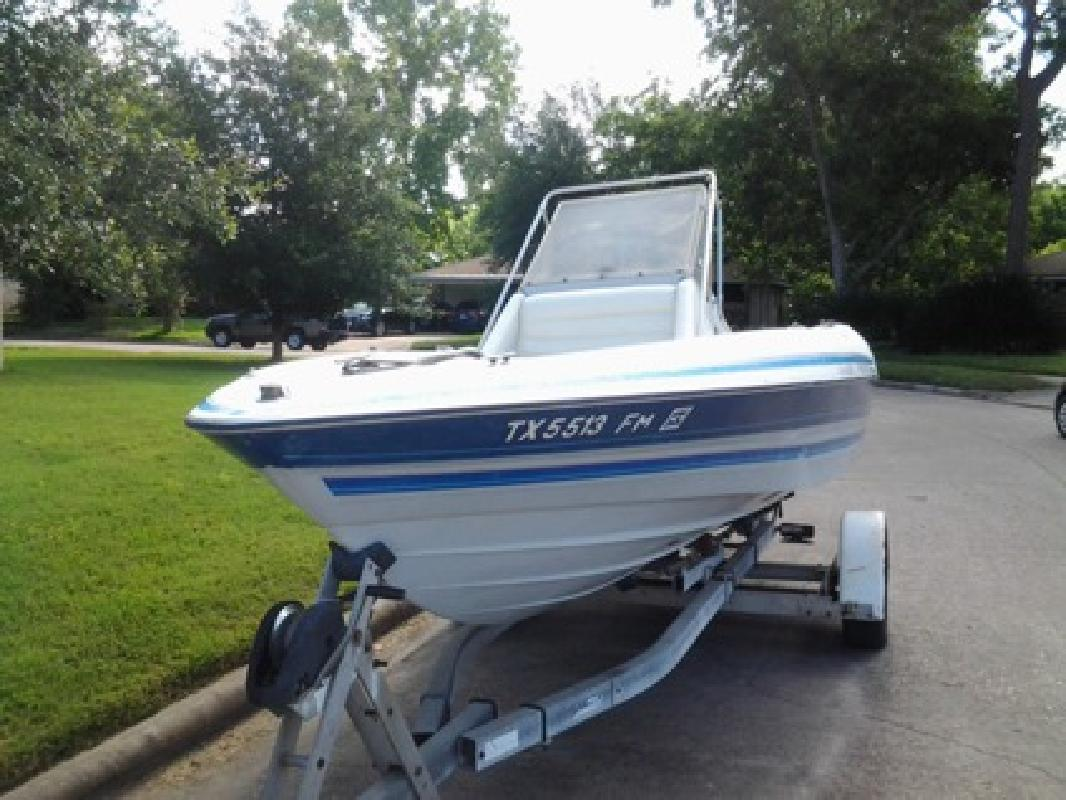 Bayliner center console new and used boats for sale for Used fishing boats for sale in houston