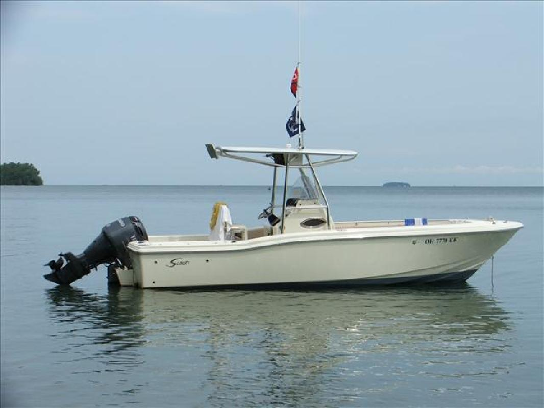 2002 23' Scout Boats Center Console 235 Sportfish in Huron, Ohio