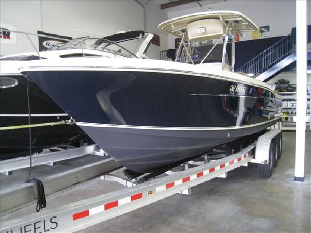 2009 24' Scout Boats Center Console 245 XSF in Huron, Ohio