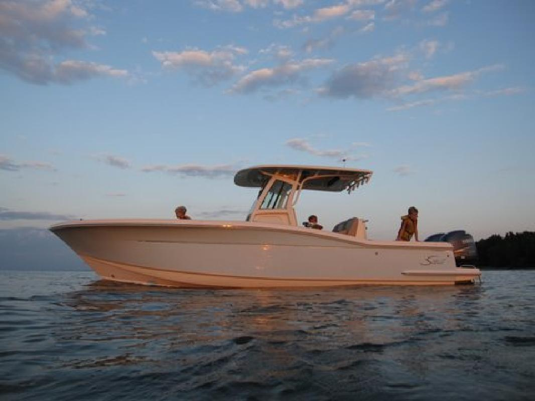 2011 26' Scout Boats Center Console 262 XSF in Huron, Ohio
