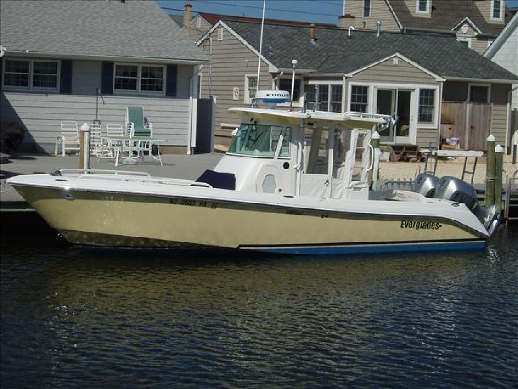2008 29' Everglades Boats Center Console 290