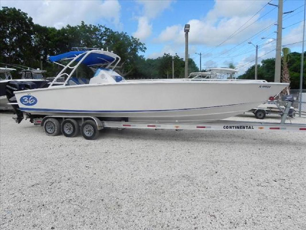 2009 36' Avanti Powerboats Center console 36 cuddy. Contact the seller