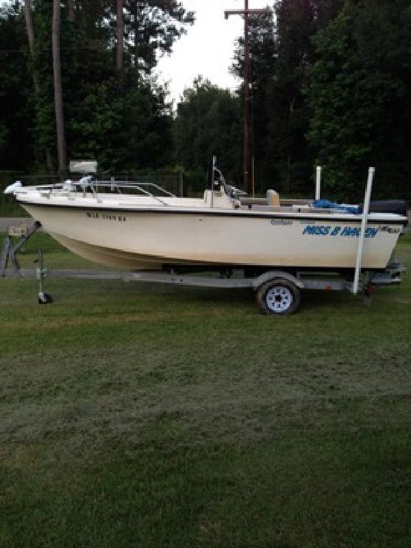 $6,500 OBO 19 ft Center Console boat