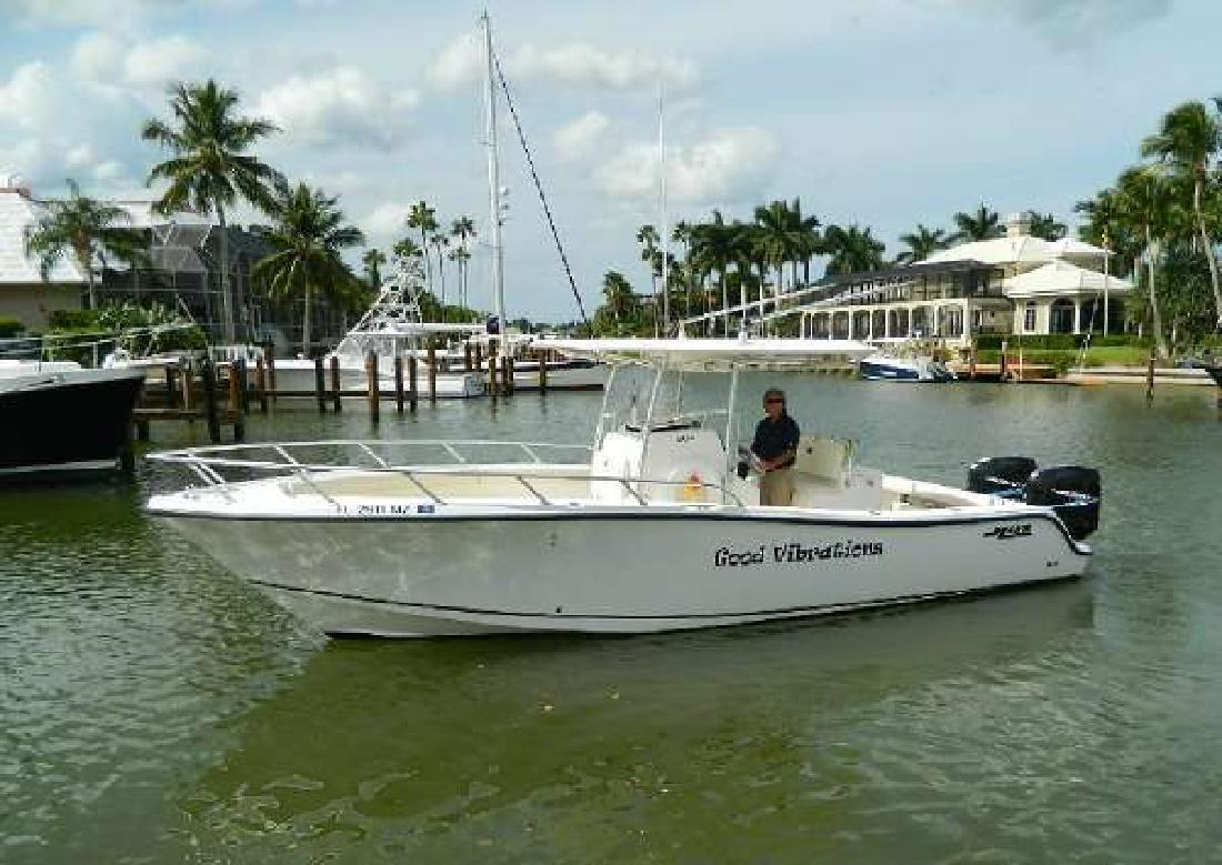 2006 MAKO BOATS 284 Center Console Naples FL