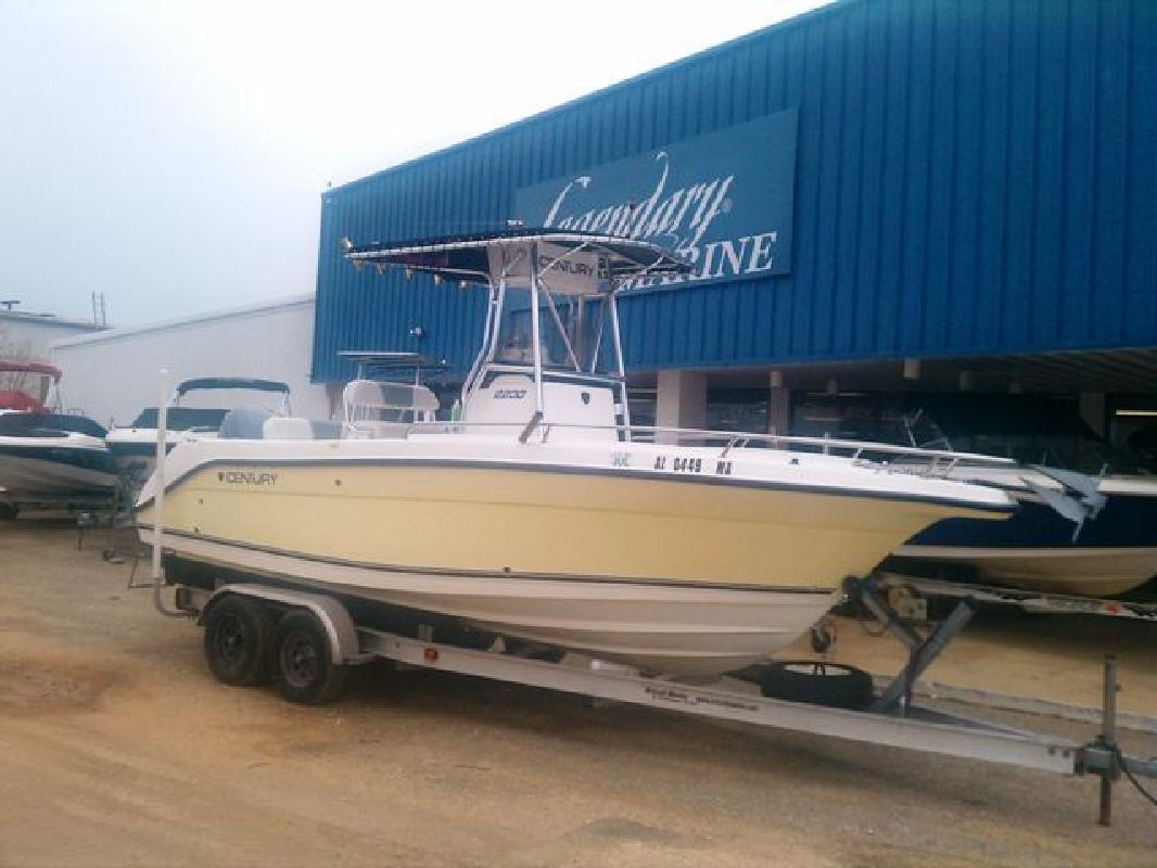 2004 22' Century Boats Century 2200 CC in Gulf Shores, Alabama