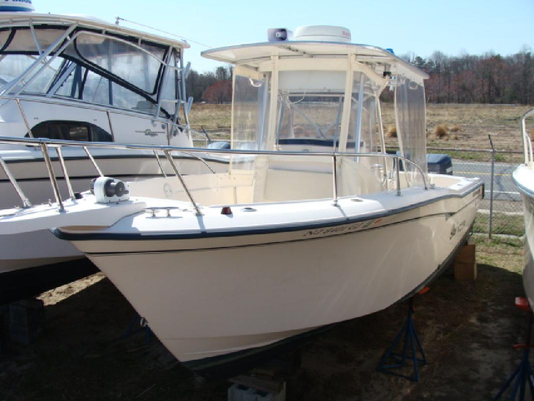 1999 26' Grady-White CHASE 263 in Ocean City, Maryland