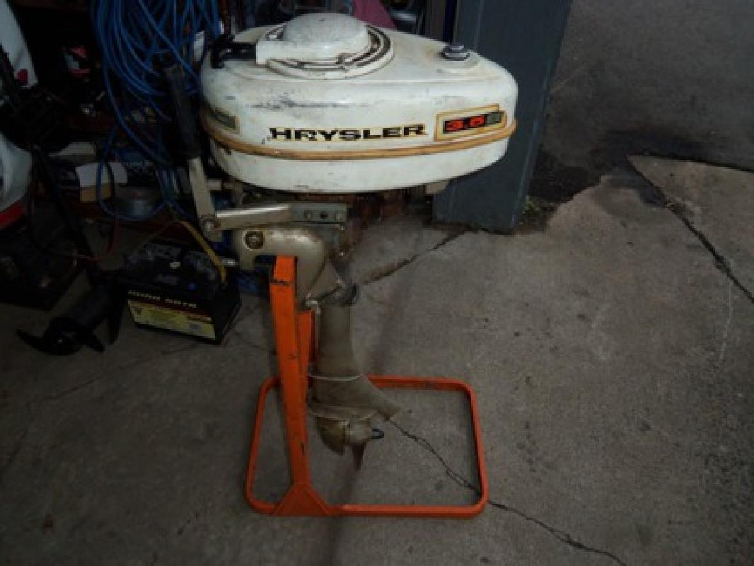 Pictures of Chrysler Boat Motor Parts