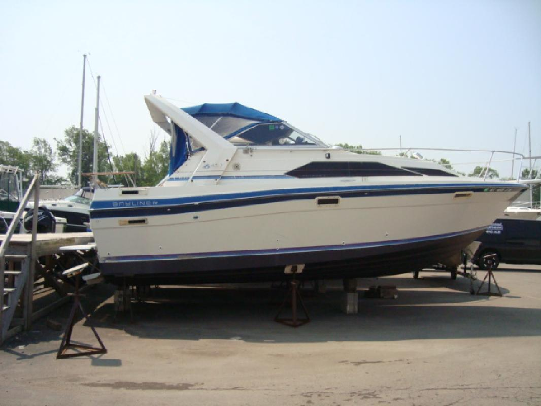 1987 28' Bayliner CIERA 2855 in Grand Island, New York