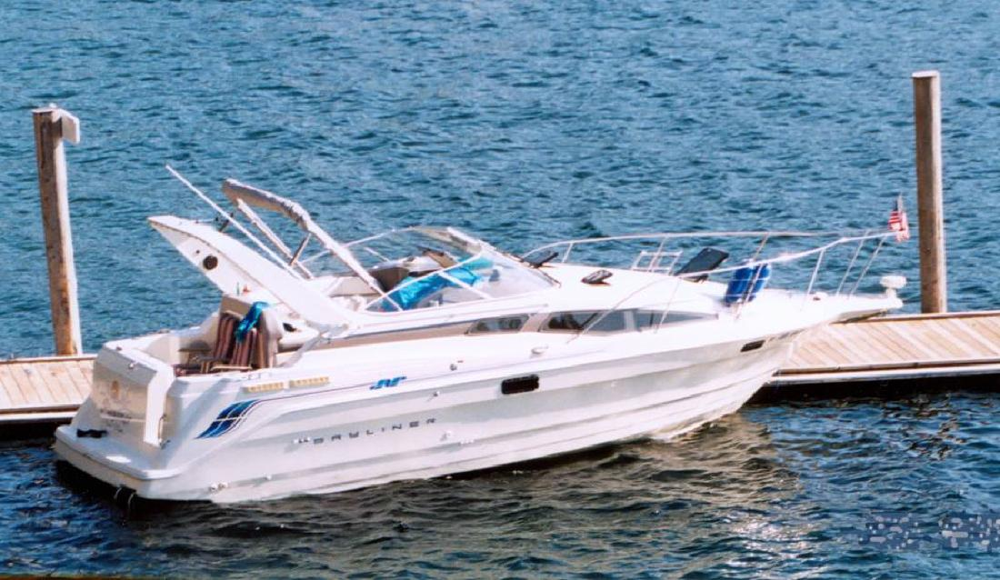 1994 28' Bayliner 2855 Ciera Sunbridge Express Cruiser in Portland, Oregon