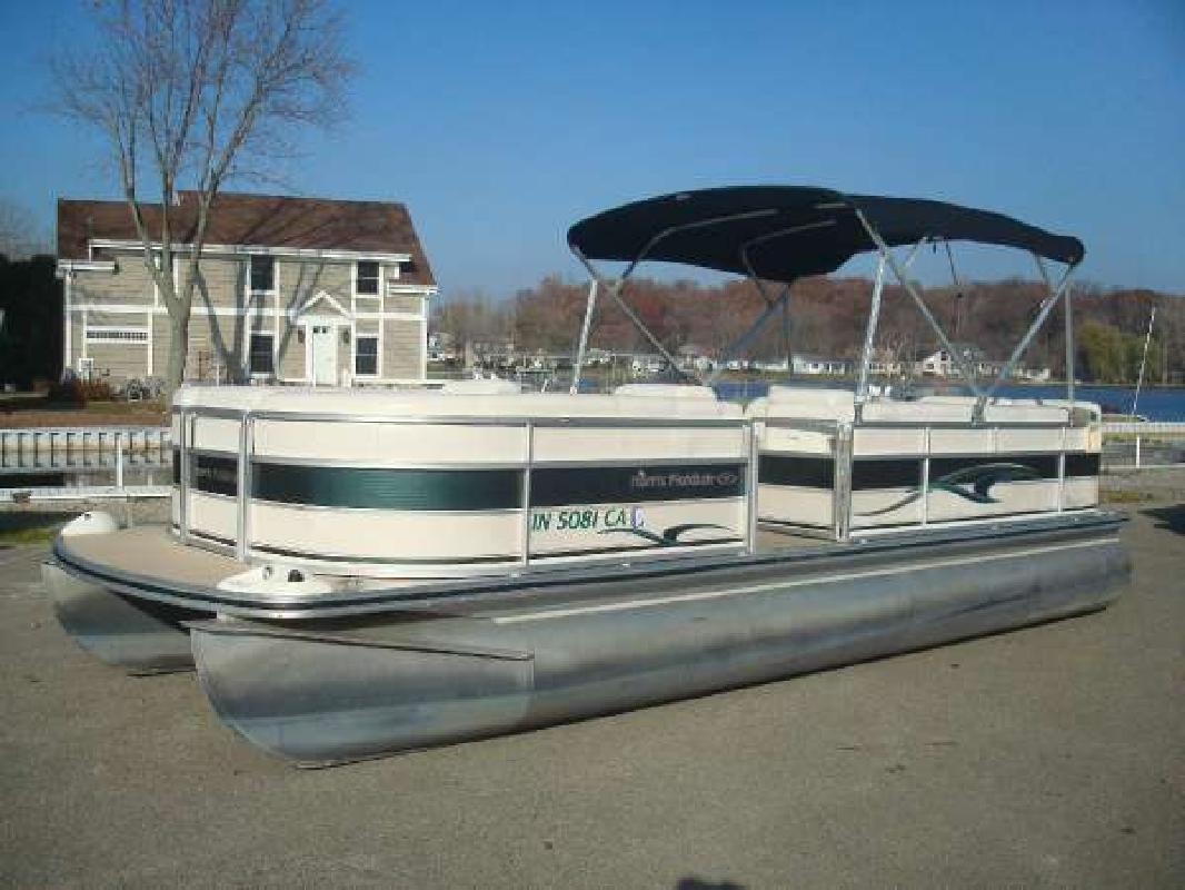 2004 HARRIS FLOTEBOTE 240 Classic Fremont IN