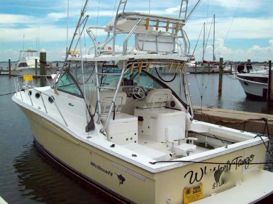 2004 WELLCRAFT 330 Coastal Stuart FL