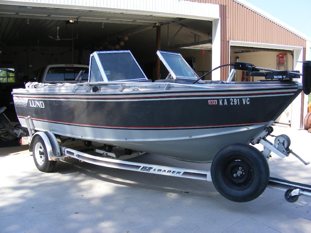 1989 18' Lund Boat Company 1850 Tyee