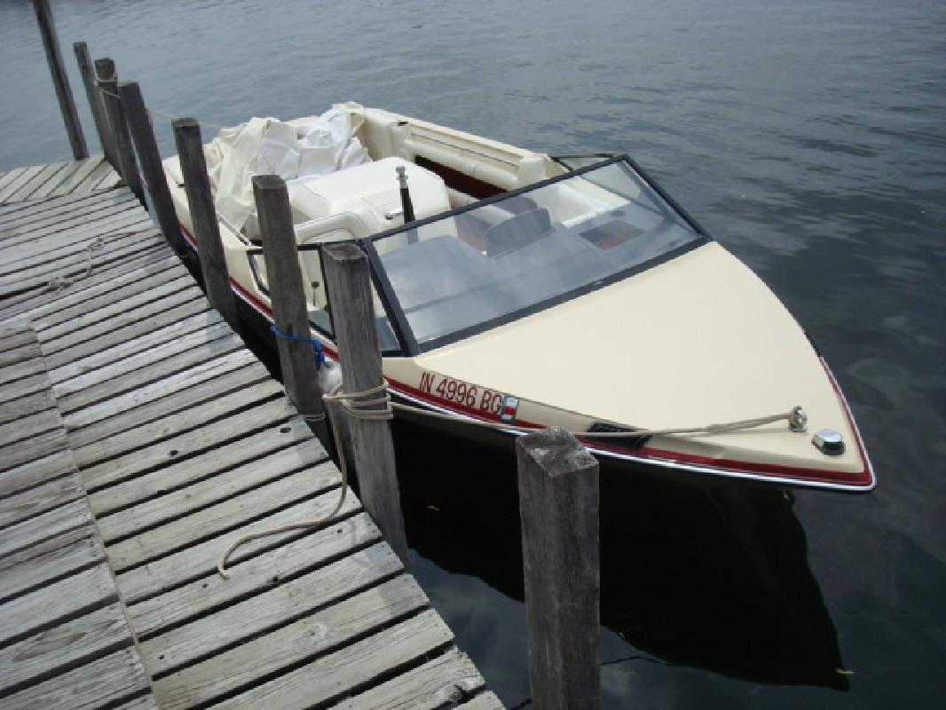 1988 19' MasterCraft Boat Company inboard prostar 190