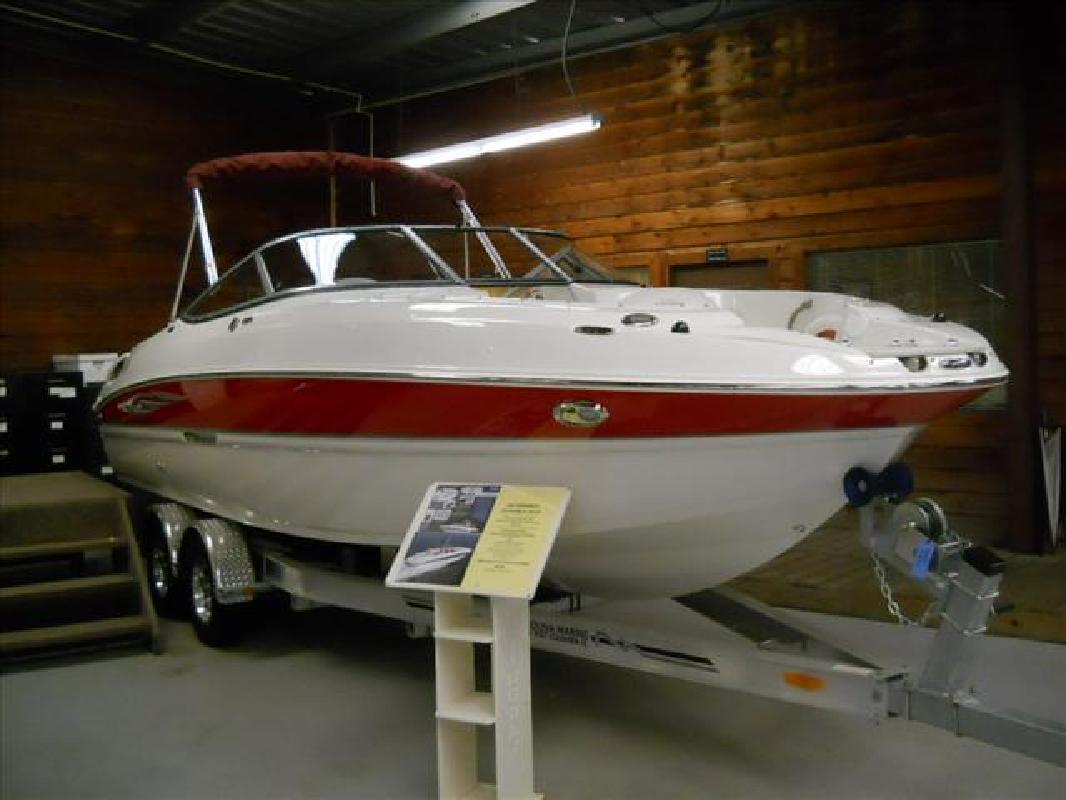 2011 24' Stingray Boat Company Open Bows 235lr