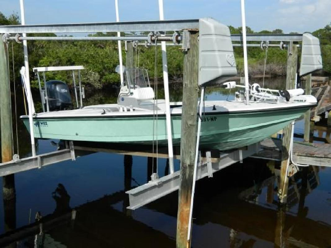 2007 18' Hewes Boat Company Redfisher 18
