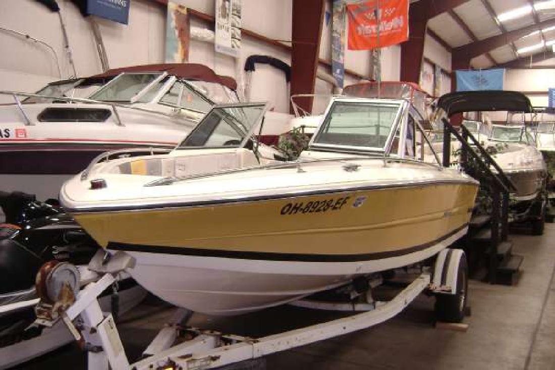 1988 18' Stingray Boat Company Svb 176