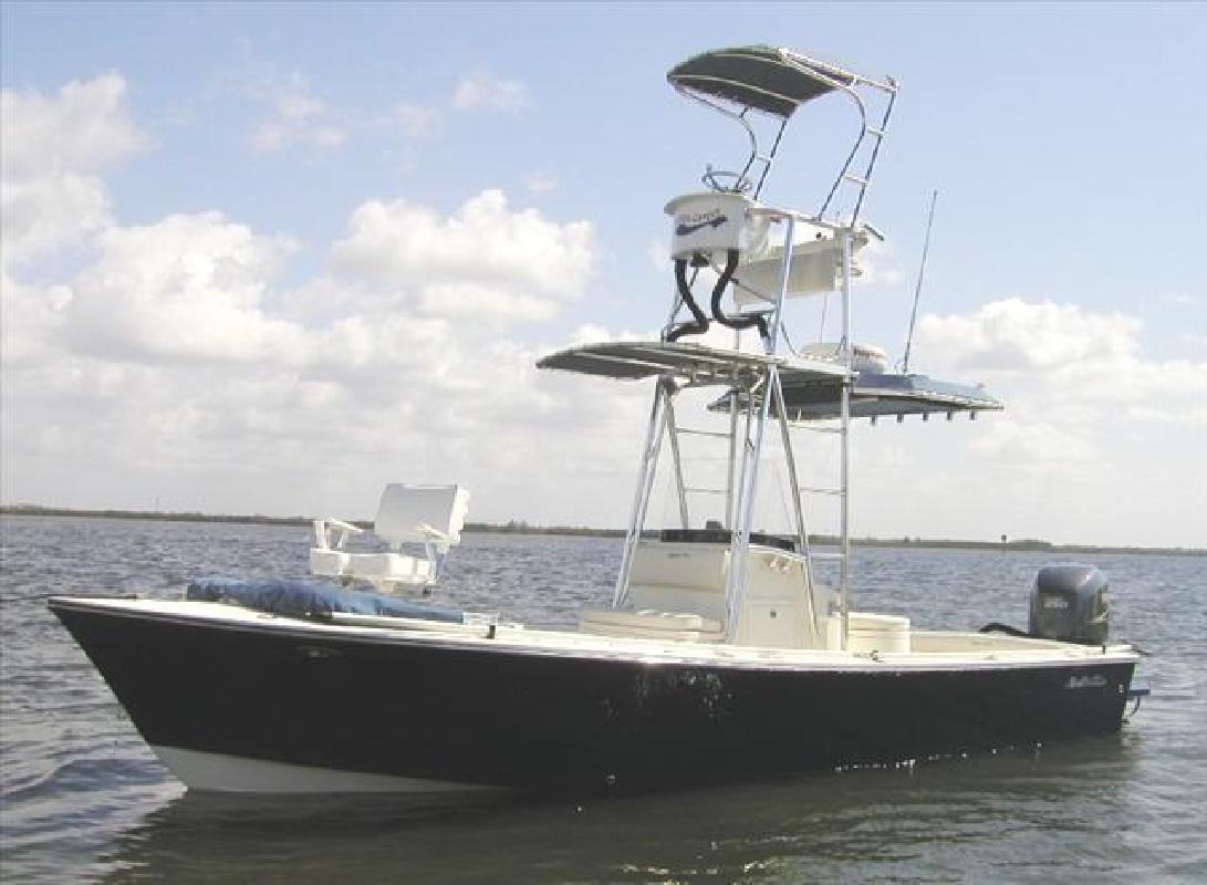 2005 239V Excellent Condition Tampa FL